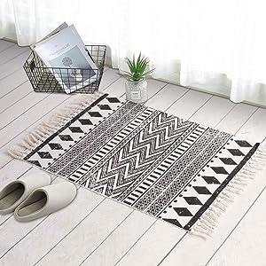 LEEVAN Moroccan Area Rug,Hand Woven Cotton Cream Chic Diamond Printed Tasels Rugs Door Mat,Indoor Floor Area Rugs Blanket Compatible Bedroom,Living Room,Children Playroom (2' x 4.3', Diamond-Black)