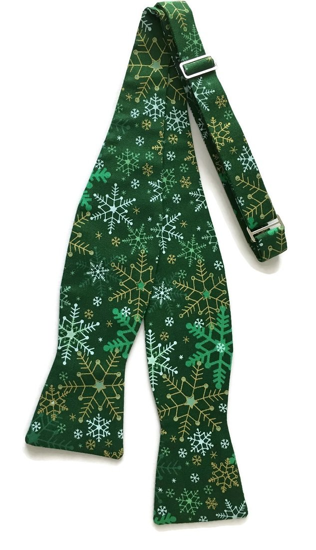Men's Self-Tie Green Snowflake Bow Tie with Gold Metallic (Boys)
