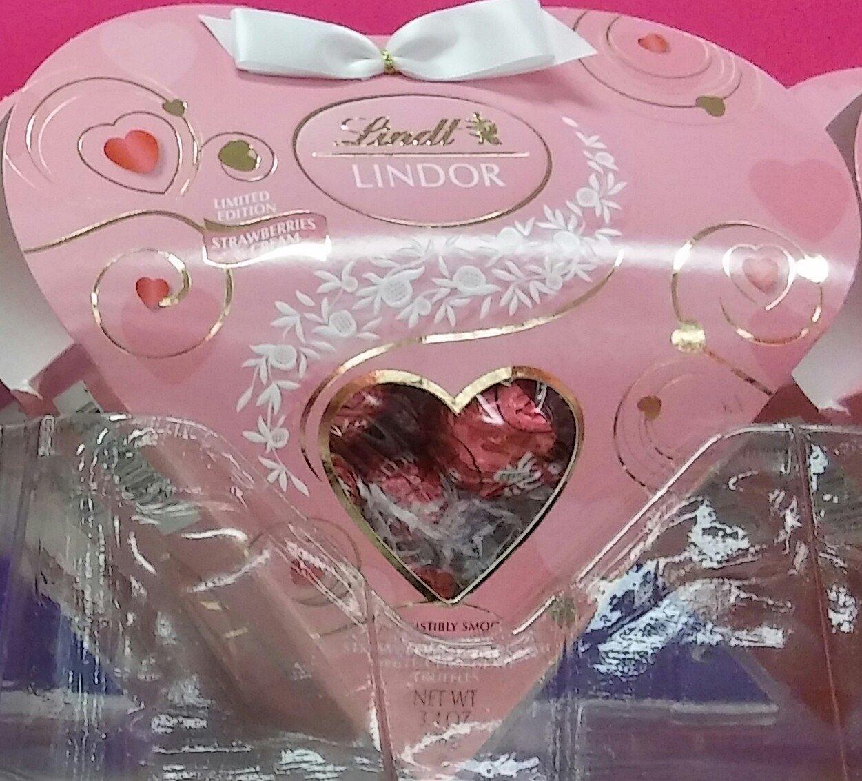 Amazon Lindt Lindor Valentine Heart Strawberries Cream White Chocolate 34 Oz Grocery Gourmet Food