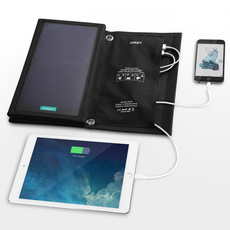 Solar Ladegerät mit 2 USB Ports / Bild: Amazon.de