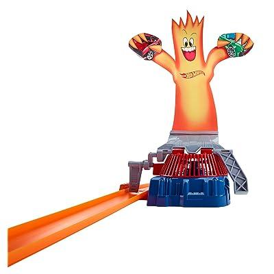 Hot Wheels Track Builder Fan Man Accessory: Toys & Games