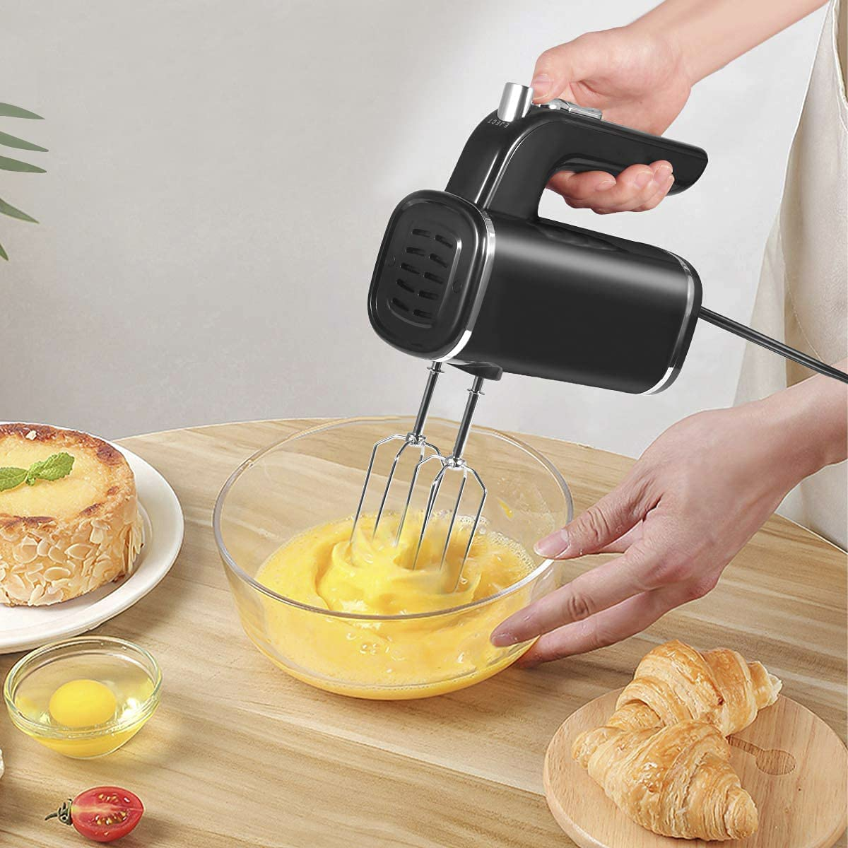 Hand Mixer Electric, 5 Speed Powerful handheld Mixer for Easy Whipping, Mixing Cookies, Brownies, Cakes, and Dough Batters(Black)