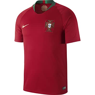 Amazon.com  NIKE Men s Soccer 2018 Portugal Stadium Home Jersey  Shoes fa0d8c13c