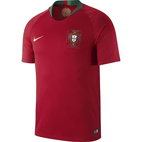 best sneakers 97947 395aa Amazon.com  NIKE Men s Soccer 2018 Portugal Stadium Home Jersey  Sports    Outdoors