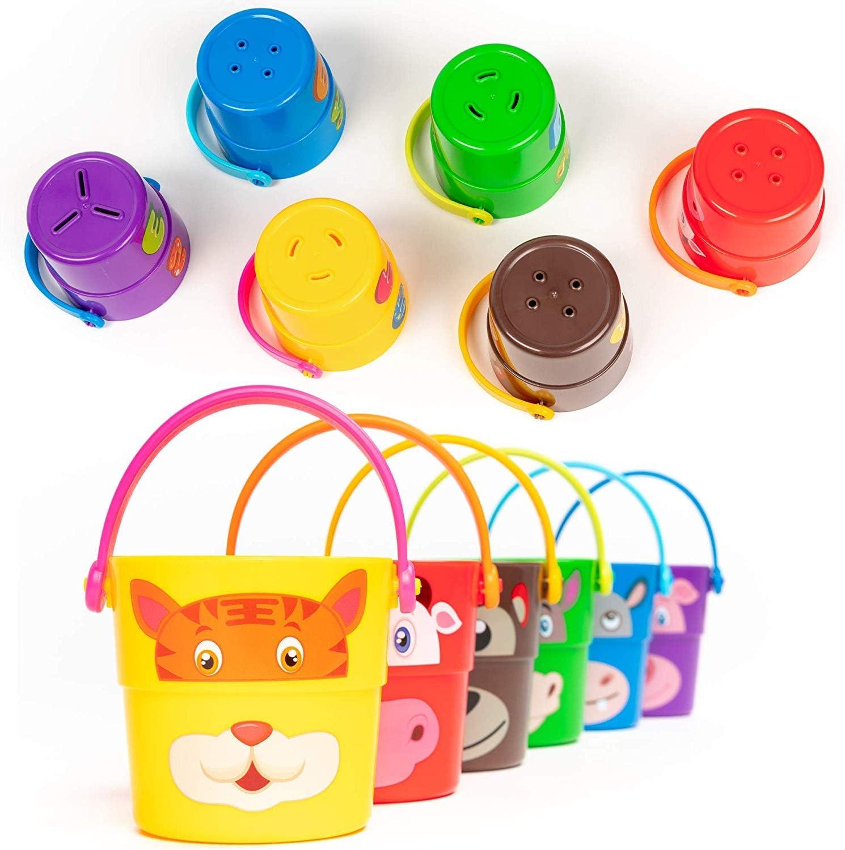 BRAMBLE! 6 Stack 'n Pour Buckets, Apilar y Verter Cubos, Juguetes de Baño - 6 Personajes Diferentes y 3 Efectos de Rociadores - Juguetes de Agua Ducha Hora del Baño para Niños Bebe