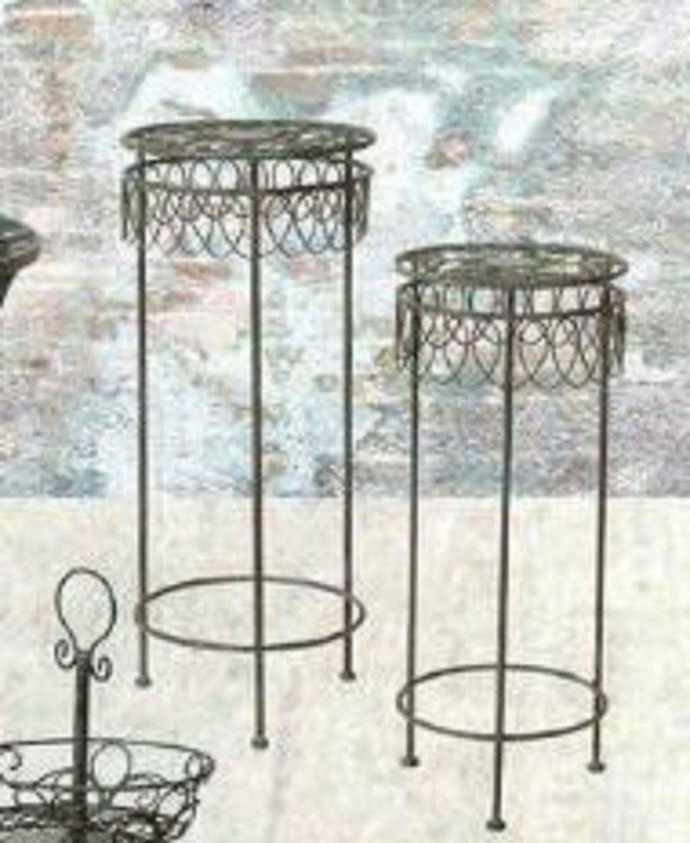 Dreams4Home Gartenmetall Hockerset 'Dorey' - 2er Set, Blumenregal, Blumenständer, Blumenhocker, Hocker, Metallset, Metall, Pulverbeschichtet, Balkonmöbel, Gartenmöbel, Terrasse, Outdoor, in grau