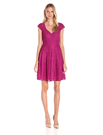 Adrianna Papell Women's Seamed Juliet Lace Fit and Flare, Magenta, 4