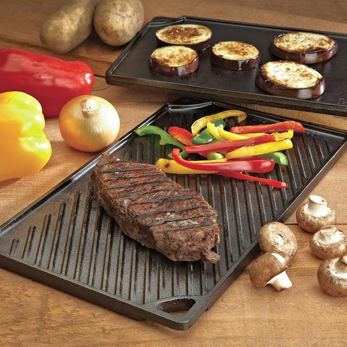 Lodge Reversible Grill and Griddle Combo. Double-Sided Cast Iron Pan with Smooth Side and Ribbed Side. by Lodge (Image #4)