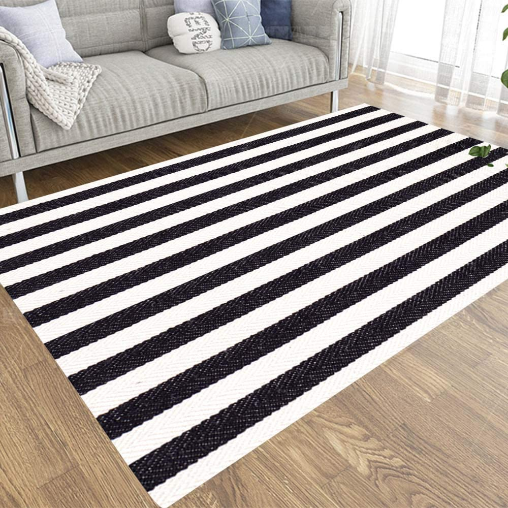 Amazon Com Jesmacti Small Area Rug Cute Area Rug Black White Striped Fabric Texture Suitable For Living Room Bedroom Kindergarten Dormitory 2x3 Area Rugs For Kids Kitchen Dining
