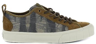 3864e53b61a04a Vans Men s Taka Hayashi Court Lo LX Technical Skateboarding Shoes Green  Tiger Batik Loden Green Green