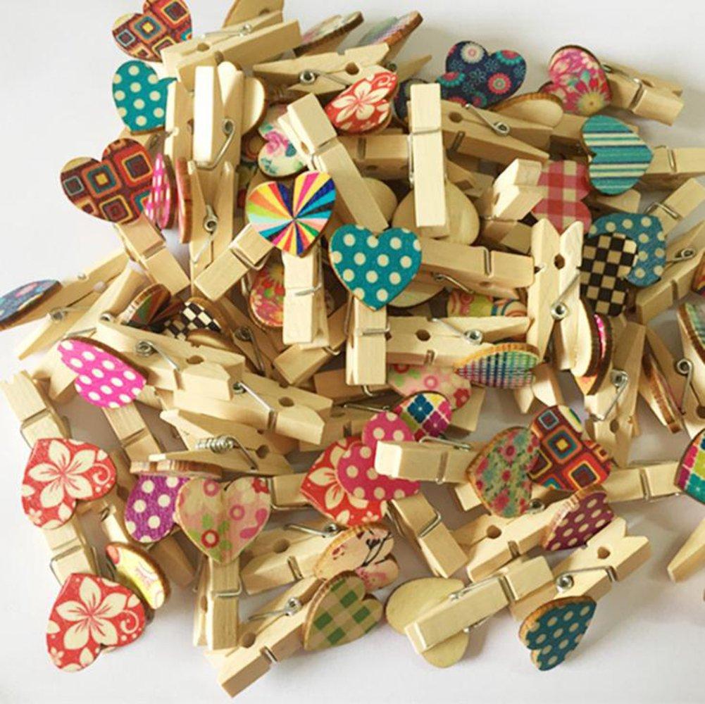 MoGist Lot de 100 agrafes d/écoratives Couleur en Forme de c/œur avec Pinces en Bois DIY Photo Pinces D/écoration Couleur al/éatoire