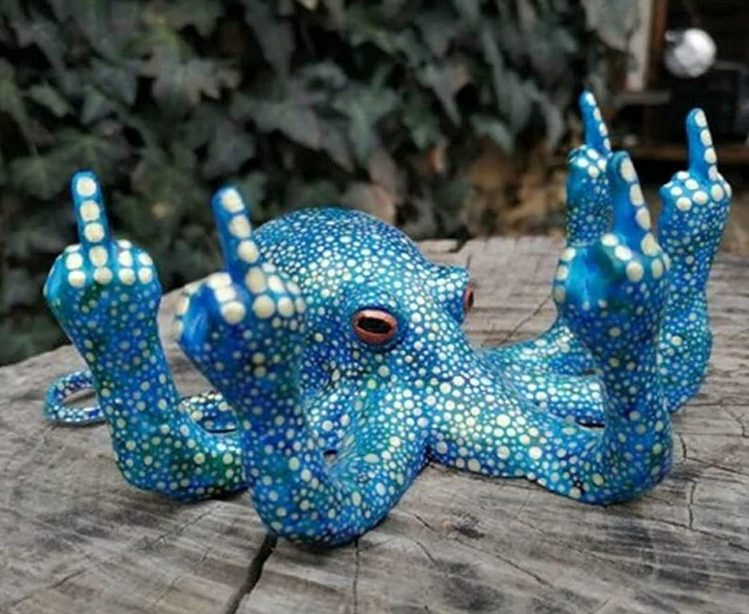 Octopus with Mother of Pearl - Multiple Colour, Luminous Octopus with Middle Finger, Glow in The Dark Octopus for Garden Indoor Outdoor Home Decoration, Luminescent Novelty Table Decors (Blue)