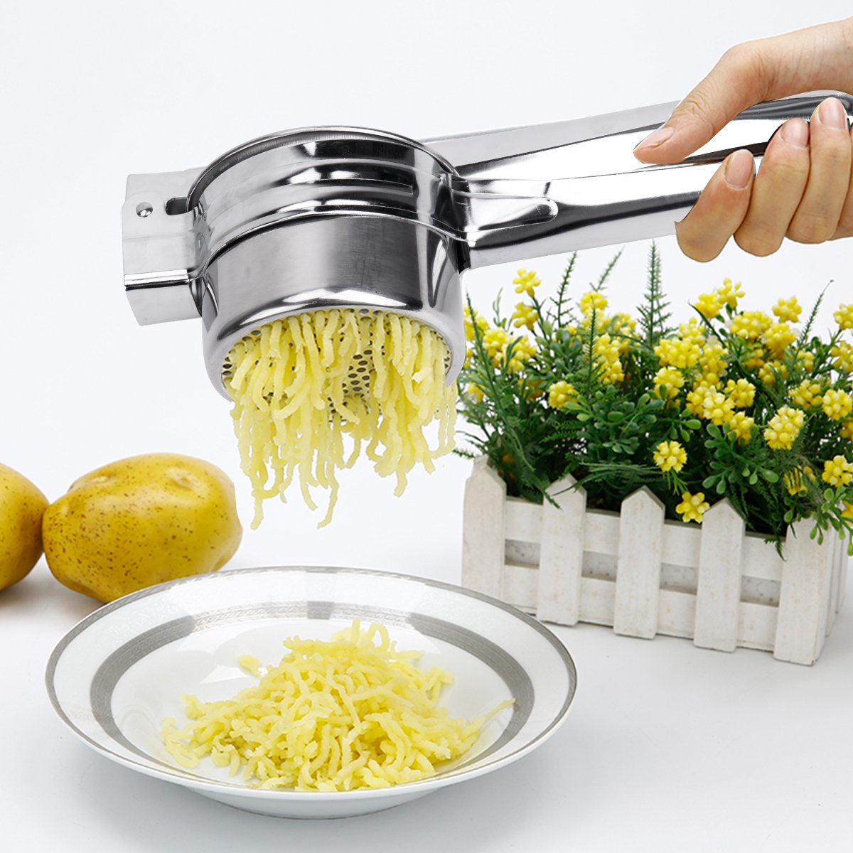 BeautyKitchen Stainless Steel Potato Ricer with 3 Interchangeable Disks by BeautyKitchen (Image #5)