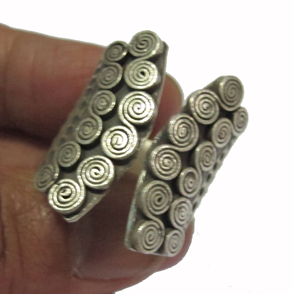 Size 8 No Cool Hill Tribe Silver Ring Weight 13.36 G By Handmade ADJUSTABLE 8-9 {HILL TRIBE RING BOX 20/_105}