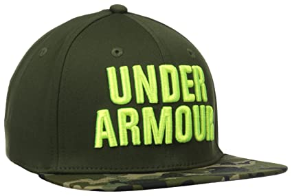 b9d58db0308 Amazon.com  Under Armour Men s Prime Flat Brim Stretch Fit Cap ...