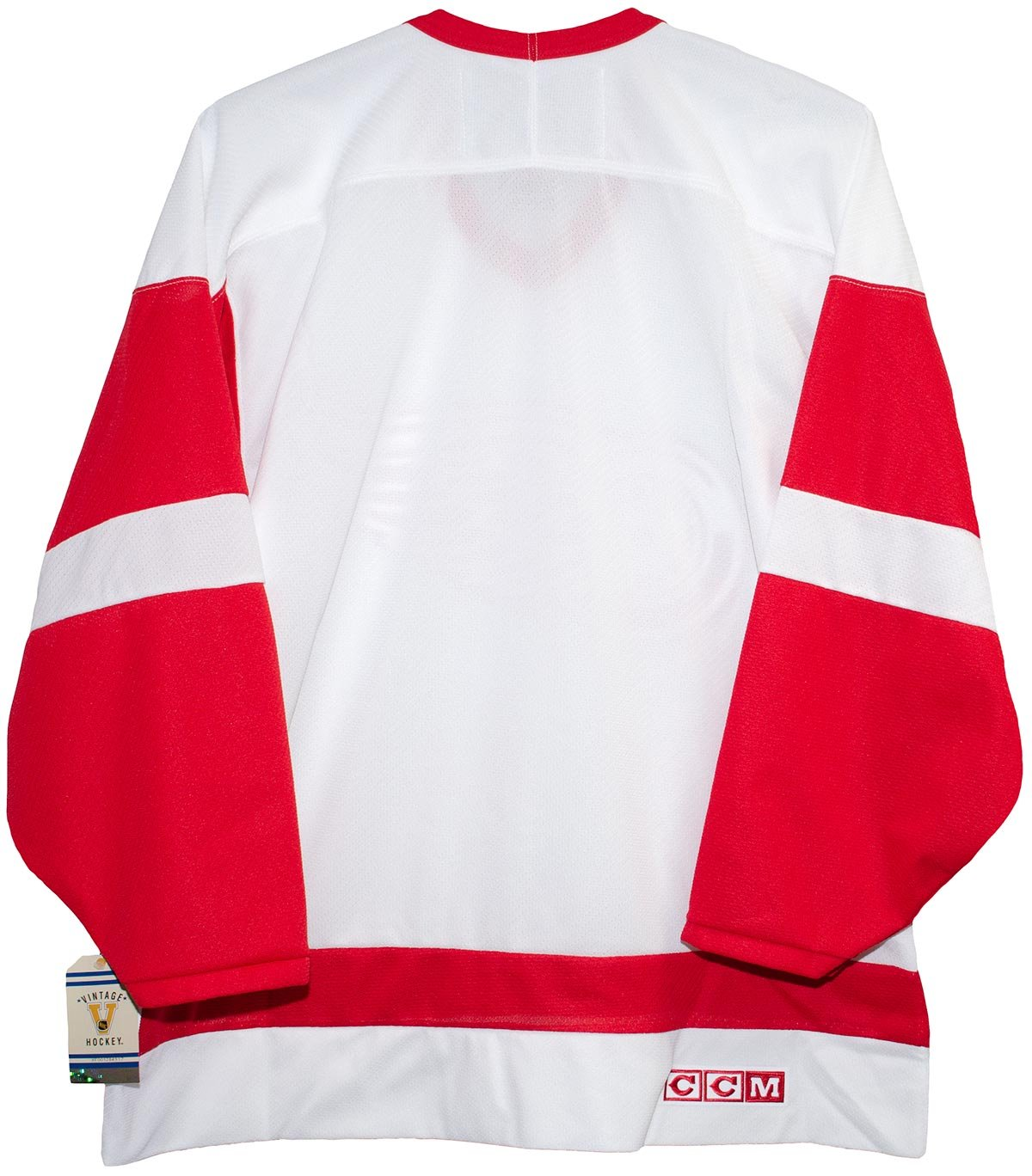82811feca Amazon.com   Detroit Red Wings White 1986-2007 Vintage CCM Jersey   Sports    Outdoors