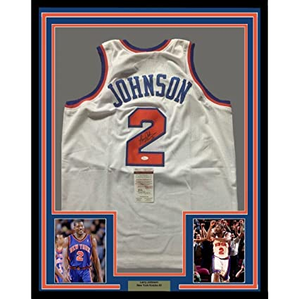 pretty nice 4978a 23b8d Larry Johnson (NBA) Signed Jersey - FRAMED 33x42 NY White ...