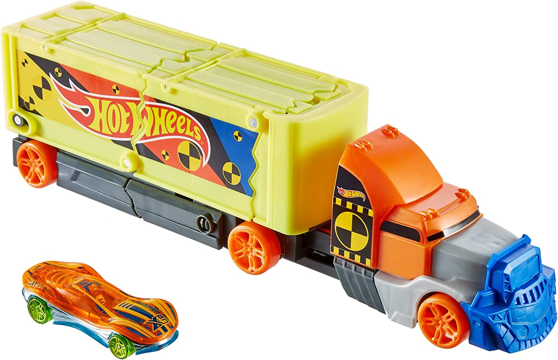 Hot Wheels Camión superchoques con un coche de juguete de Hot Wheels (Mattel GCK39)