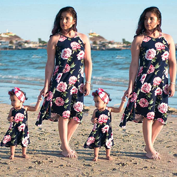 fe8b228aa42 Amazon.com  Franterd Mommy   Me Summer Dress Family Matching Floral Clothes  Parent-Child Beach Party Sleeveless Long Dresses  Clothing