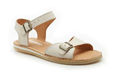 a4ff9df3c6c6 Clarks Womens Originals Kestral Soar Leather Sandals In White ...