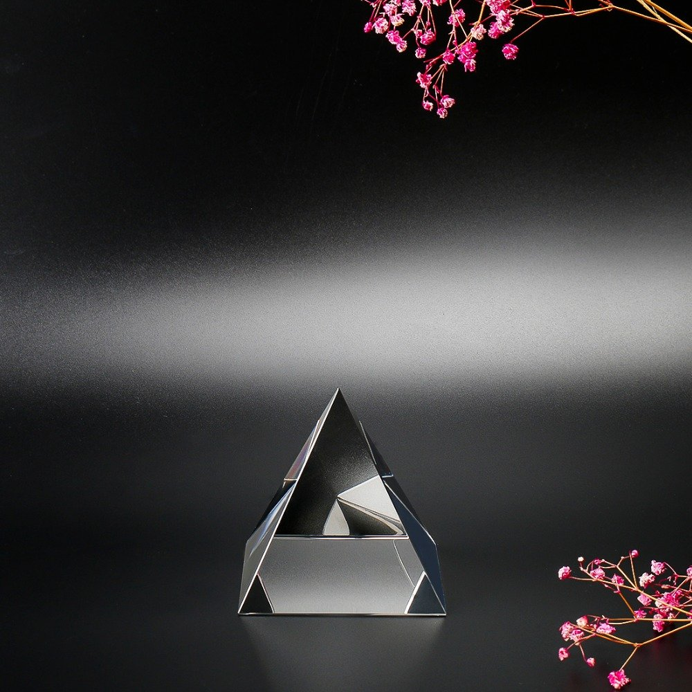 Wall of Dragon Egypt Egyptian Crystal Pyramid Paperweight in Gift BOX Energy Healing Feng Shui with Free Crystal Wipes Home Decor