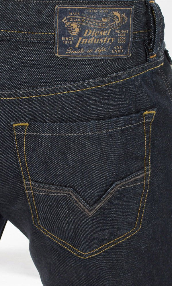 Diesel M 5 Pockets DE 00C06Q 008Z8 Larkee L.32 Pan, Color Dark Blue, Size: 33/32