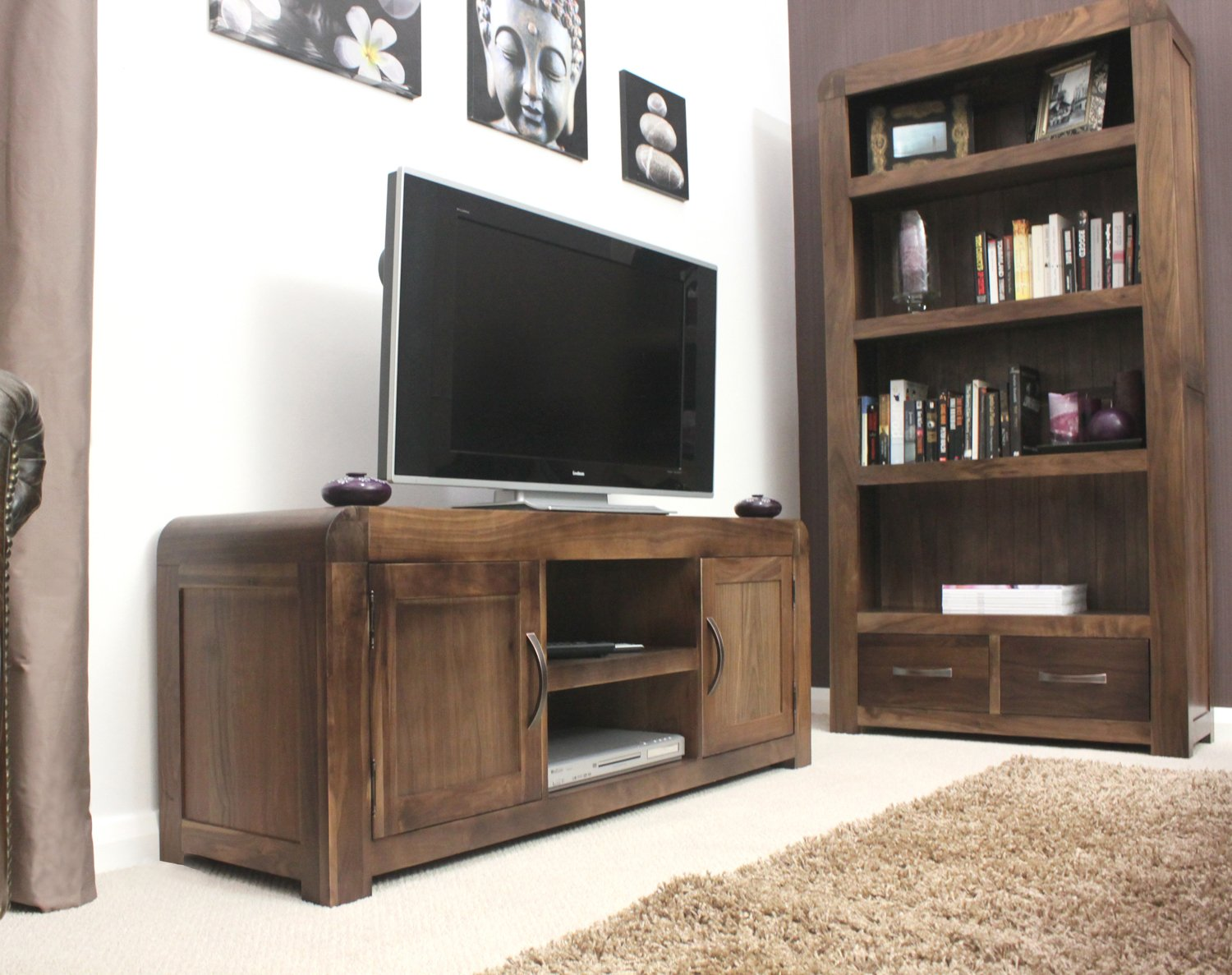 Baumhaus Shiro Walnut Widescreen Television Cabinet: Amazon.co.uk ...