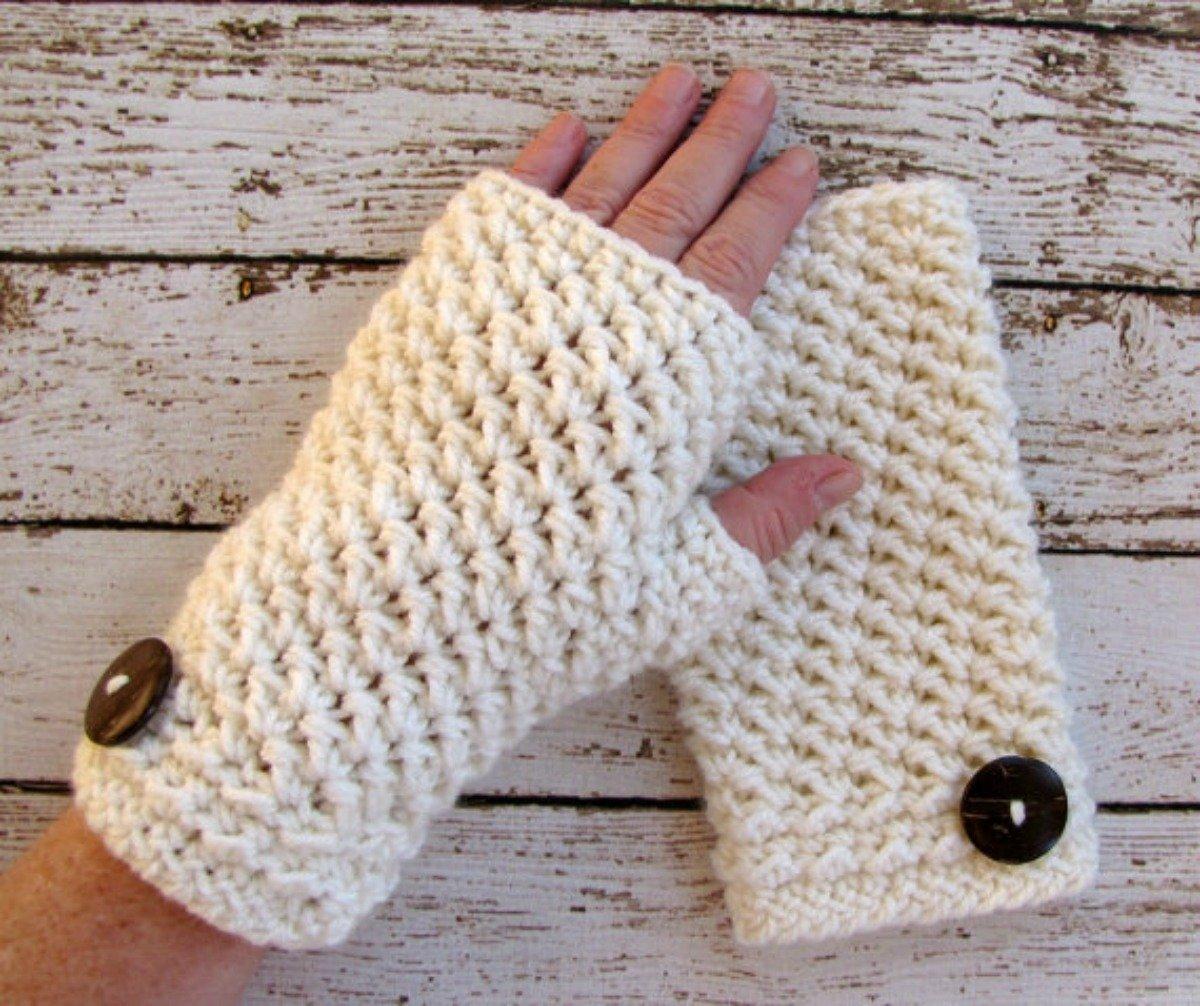 Women's Ivory Fingerless Gloves