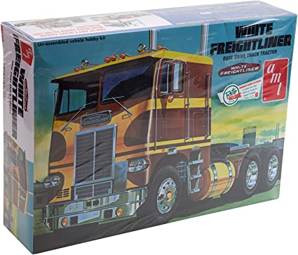 AMT White Freightliner Dual Drive Cabover Tractor model kit 1//25 New!