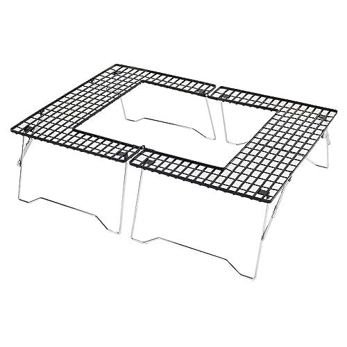 コップや皿を手元に置ける、和のイメージを取り入れた囲炉裏テーブル。組み立て・撤収も簡単で、専用キャリーバッグ付きなので持ち運びも便利。木目のやさしいデザインがワンランク上のアウトドアに導いてくれます。