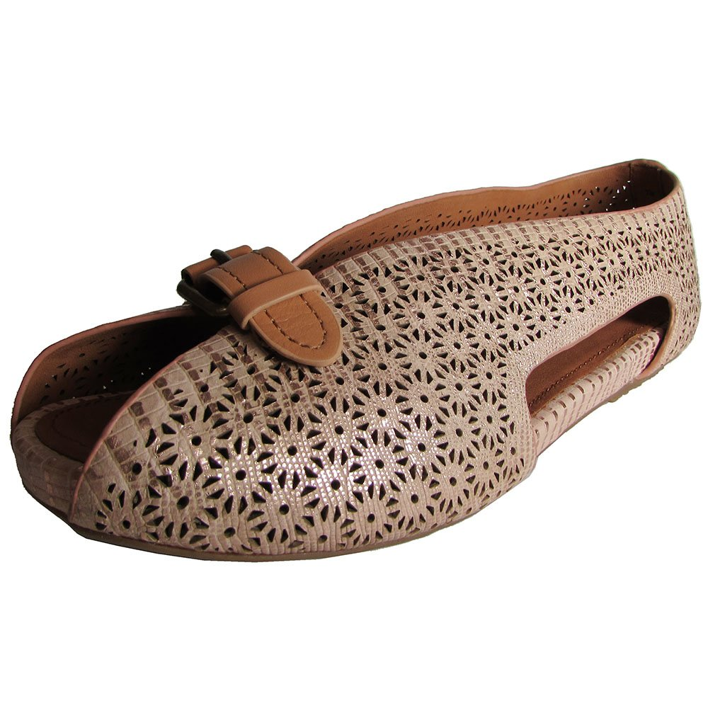 8634a75775 Amazon.com | Gentle Souls by Kenneth Cole Women's Bless Word Flat | Flats