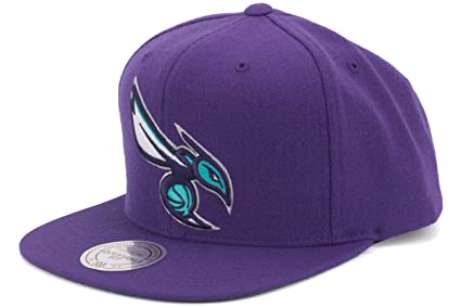 Amazon.com   Mitchell   Ness Charlotte Hornets New Logo Wool Solid ... 00d818604485