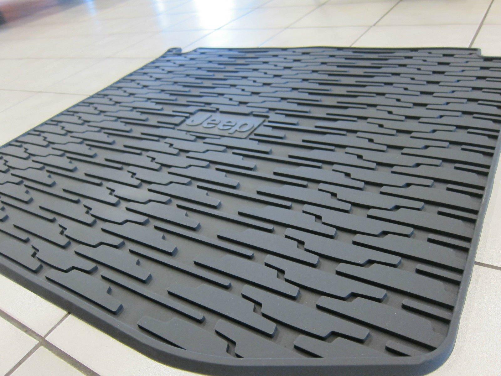 Jeep Grand Cherokee Rubber Slush Floor Mats & Cargo Tray Liner Set Mopar by Mopar (Image #6)