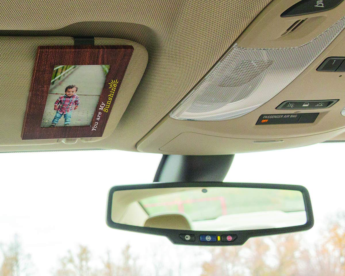 """Protects Pictures from Sun Damage GA Carbon Fiber Clips to Car Sun Visor VISOR FRAMES 2.5/"""" x 3.5/"""" Fits Standard Wallet Size Photo 