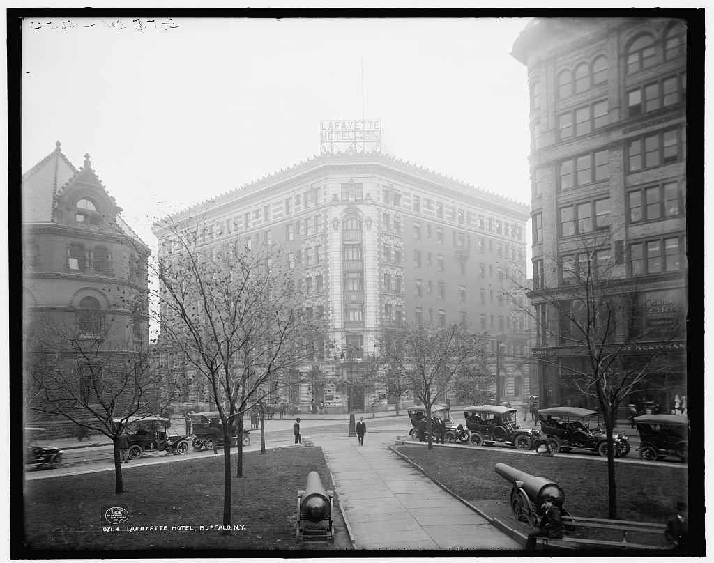 Vintography 20 x 24 Reprinted Old Photo Lafayette Hotel Lafayette Square Buffalo N.Y. 1908 Detriot Publishing co. 10a