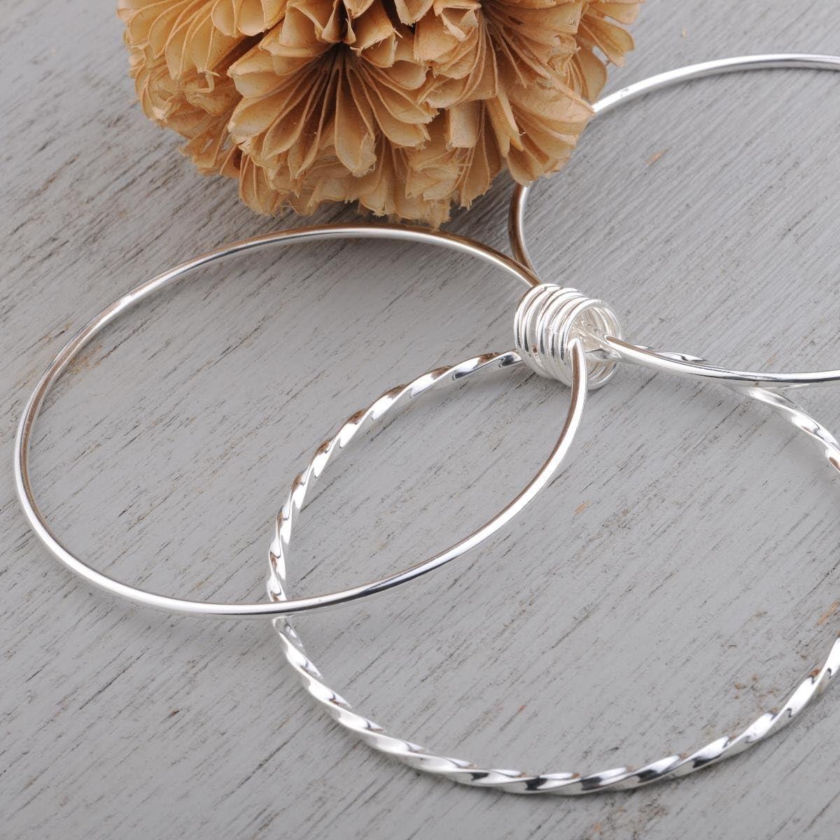 Merdia 925 Sterling Silver Bangle Bracelet with Simple Carved Flower Patterns 6cm
