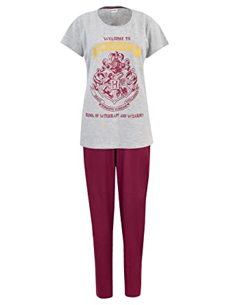 HARRY POTTER Womens  Hogwarts Pajamas Size Small Red at Amazon ... 69978a058