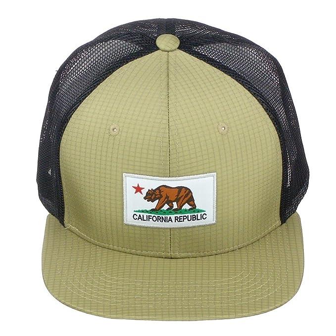 c8d040f75467a Amazon.com  Pit Bull California Republic Bear Logo Snapback Vented Mesh Hat  Baseball Cap - Black Khaki White  Clothing