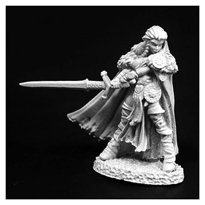 Reaper Miniature Highlander Heroine #03765 Dark Heaven Legends Unpainted Figure: Toys & Games