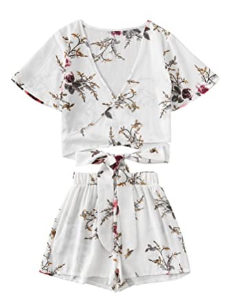 0134b9892b6cc1 SweatyRocks Women s 2 Piece Boho Floral Print Crop Cami Top with Shorts Set  White Flower XS