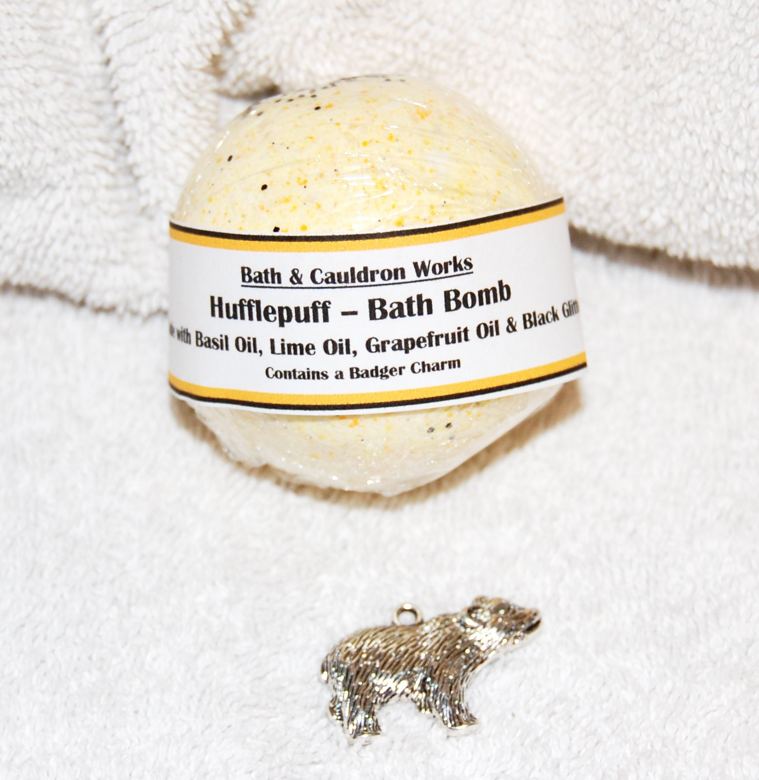 Harry Potter Hogwarts Houses Hufflepuff Bath Bomb with Badger Charm by Andromeda House
