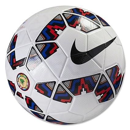 384fea10273ba Nike balón de fútbol Ordem 2 oficial Copa América bola 5  Amazon.com ...