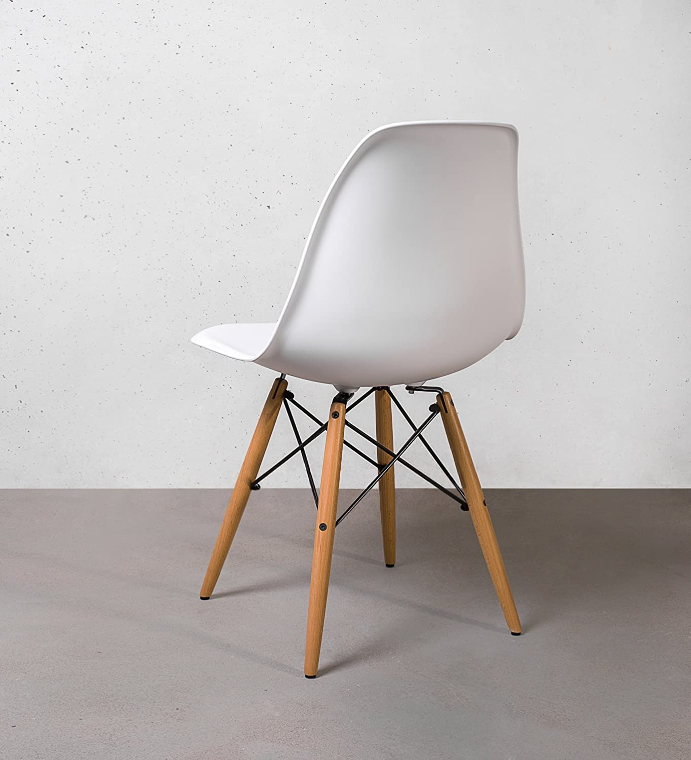 Three Popular Restaurant Chair Types - Wooden, Metal and Plastic ...
