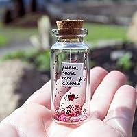 Piensa, sueña, cree y atrévete. Mensaje en una botella. Miniaturas. Regalo personalizado. Divertida postal. Motivación.