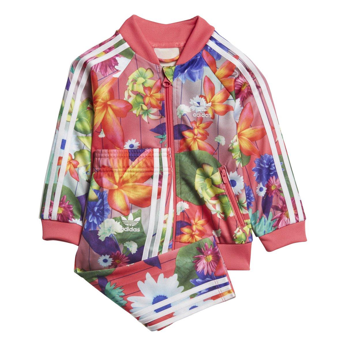 8317a279b Amazon.com: adidas Originals Girls Originals Graphic Superstar Tracksuit:  Clothing