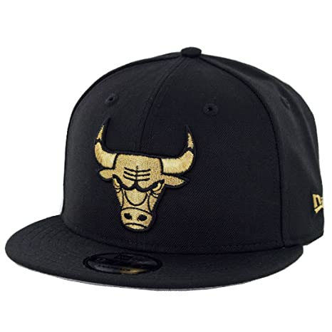62a8fb95472 Amazon.com   New Era 9Fifty Chicago Bulls Snapback Hat (Black Gold) Men s NBA  Cap   Sports   Outdoors