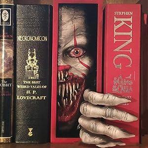 SUSIMOND-Peeping Bookshelf Monster, Peeping on The Bookshelf Personalized Bookends, Creative Resin Decorative Bookends Monster, Decorative Book Ends for Home Office Book Shelf Holder (E)