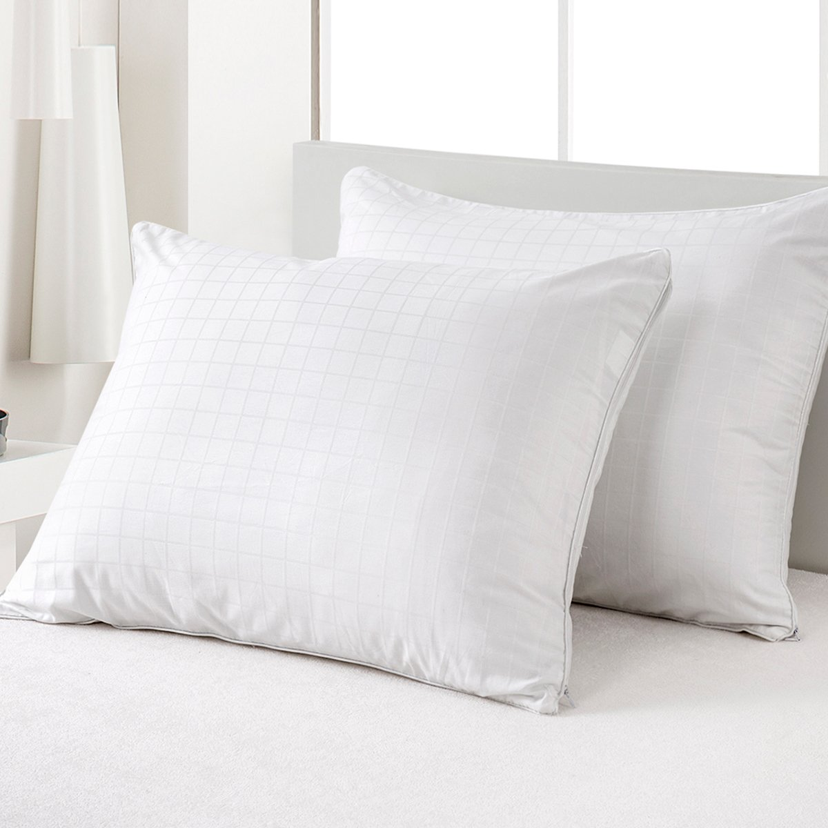 MZXcuin 2-Pack 100% Cotton Pillow Protectors Zipper Pillowcases, Premium Allergy Dust Mite Bed Bug Control – Anti-Microbial 300 Thread Count Pillow Covers( Standard 20'' x 26'')