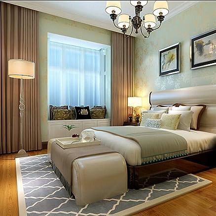 Semplice e moderno salotto divano e tappeti e camera da letto ...