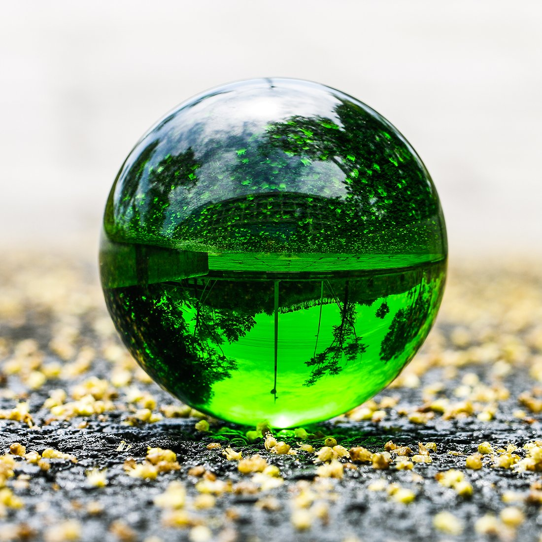 H&D 100mm Crystal Sphere Meditation Ball Stand Art Decor K9 Crystal Prop Magic Crystal Healing Ball Photography Home Decoration (Green)